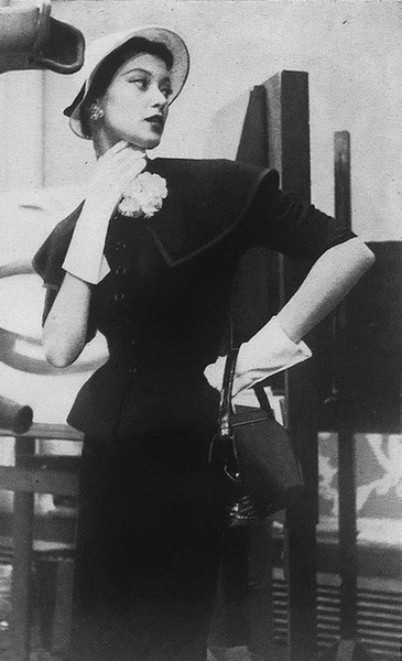 Harper's Bazaar 1950 photo by Genevieve Naylor