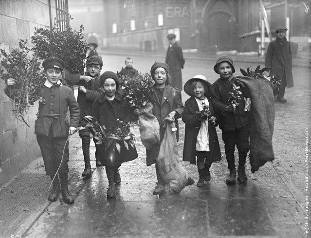 Spirit of Christmas circa 1900s-1930s (9)